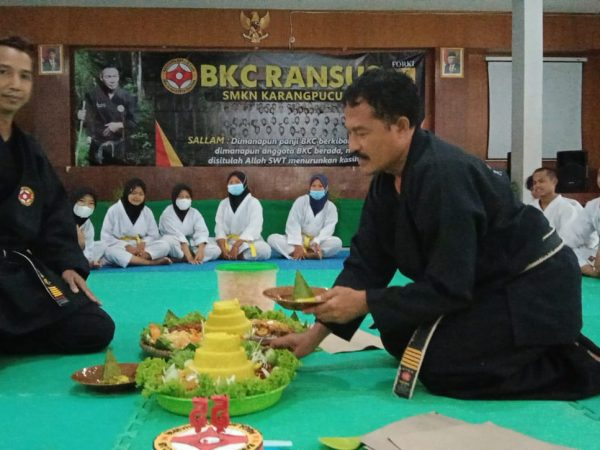RANSUS SMK N KARANGPUCUNG MENGUCAPKAN SELAMAT ULAMG TAHUN 55 BKC